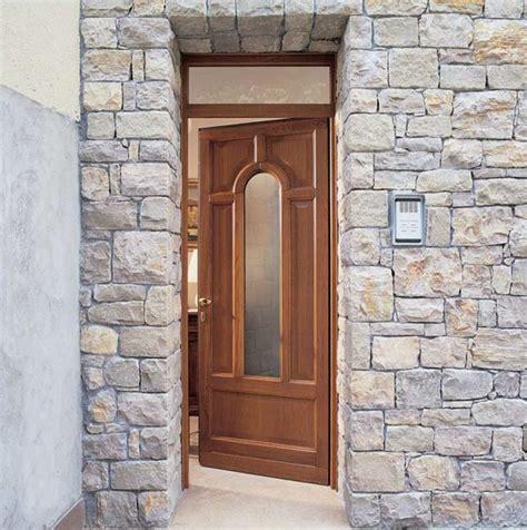 Porta D Ingresso In Vetro by Porta D Ingresso In Legno Per Esterno Con Pannelli In