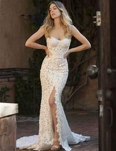 mermaid style lace sweetheart sleeveless sweep train split With wedding dress with split