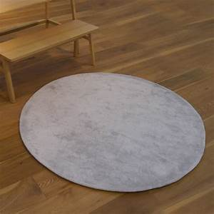 tapis rond gris clair homeezy With tapis poil gris clair