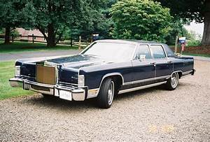 Continental Auto : lincoln continental town car photos reviews news specs buy car ~ Gottalentnigeria.com Avis de Voitures