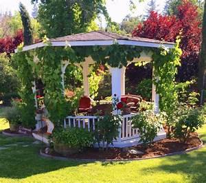 32 garden gazebos for creating your garden refuge With katzennetz balkon mit garden pergola