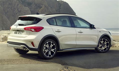 2019 Ford Focus Mk4 debuts – three body-styles, six trim ...