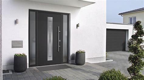 Sichtschutzfolie Fenster Licht by B 252 Nder Fenster Haust 252 Ren Garagentore