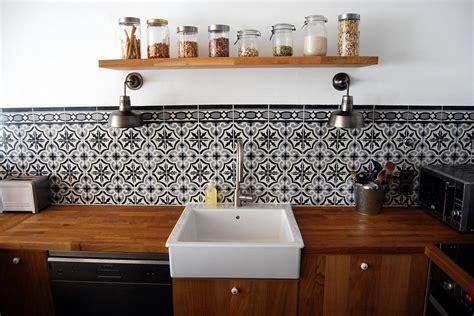 cuisine moderne en bois  carrelage ancien bo  photo