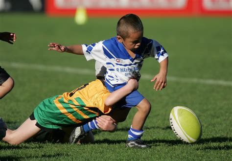 rugby tackling