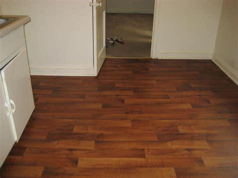 Glossy Brown Pattern Linoleum Flooring Roll Laminate