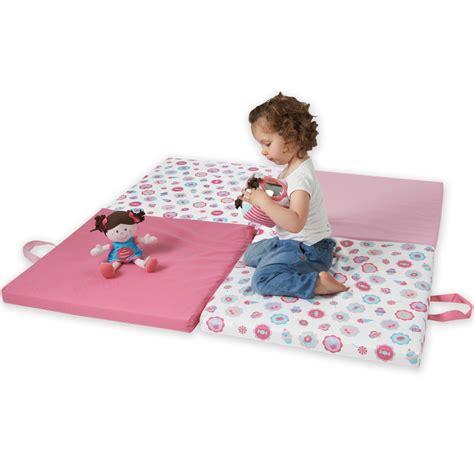 tapis de jeux pour bebe tapis de jeu bebe 1 an chaios