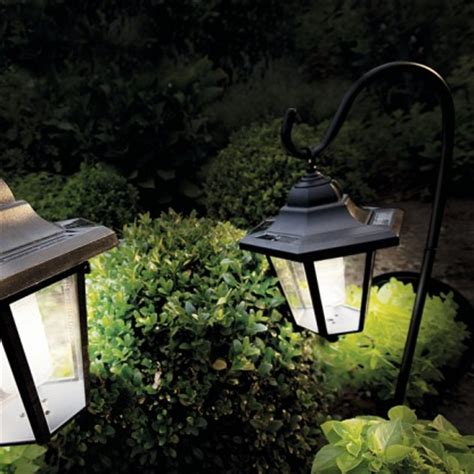 solar powered garden coach lights