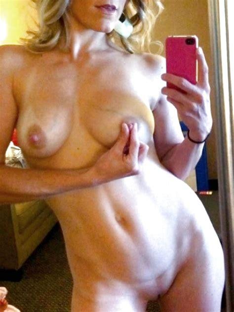 Selfie Amateur Milfs And Mature Vol 113 62 Pics