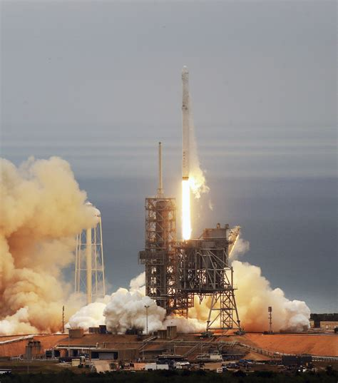 SpaceX launches rocket from historic moon pad - The Blade