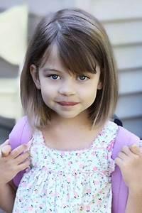 Coupe De Cheveux Pour Enfant : carre plongeant fille ~ Dode.kayakingforconservation.com Idées de Décoration