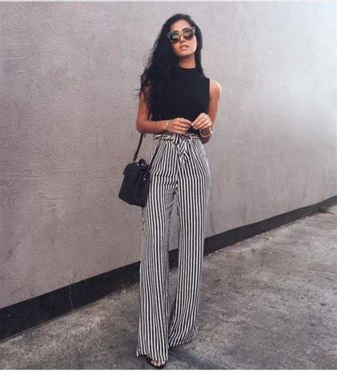 22 Comfy Outfits With Striped Pants To Try