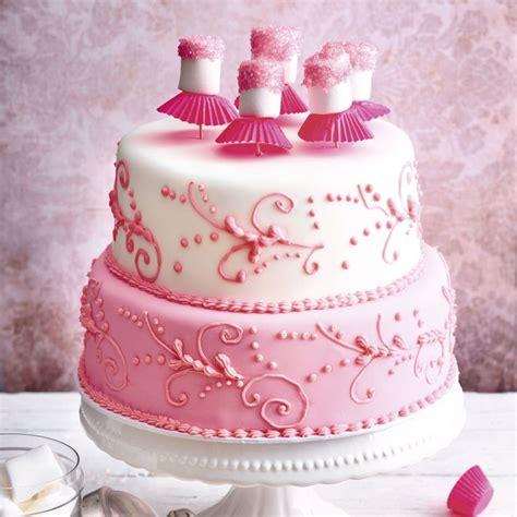 rosa fondant torte mit beerenmousse kuechengoetter