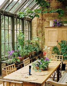 Anatomy of a Room: Inside a Dreamy Conservatory サンルーム、ガーデニング