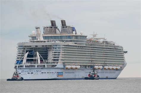 How Long Is The Biggest Cruise Ship | Fitbudha.com