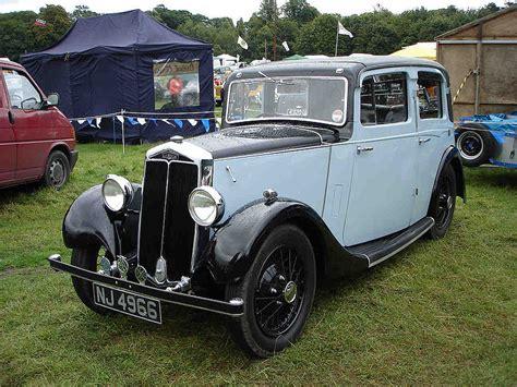 Sad-looking Pre-war Car