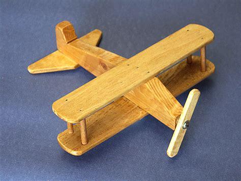 jeux 馗ole de cuisine jouet en bois a bascule