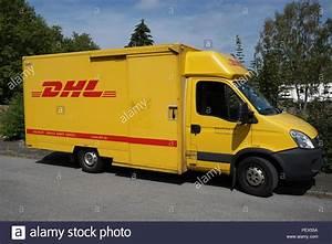 Dhl Versand Deutschland : dhl shipping stockfotos dhl shipping bilder alamy ~ Orissabook.com Haus und Dekorationen