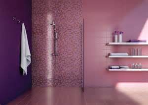 Piastrelle per il bagno a mosaico lilla e rosa tra