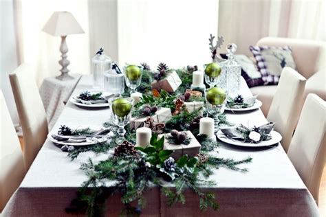 Winter table decor do it yourself natural materials and