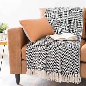 Plaid Maison Du Monde : plaid nero bianco in cotone 130 x 160 cm makassar maisons du monde ~ Teatrodelosmanantiales.com Idées de Décoration
