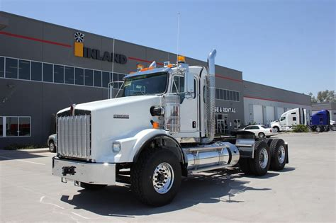 trade trucks kenworth kenworth versatile hauler trucks for sale used trucks on