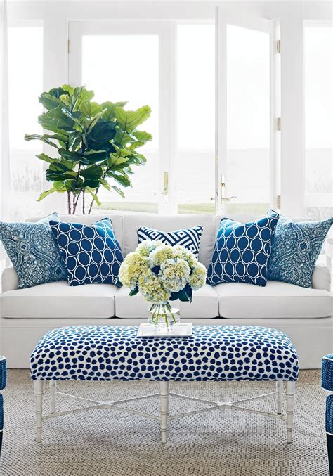 Living Room With Blue Decor by How To Apply Lapis Blue Color Schemes In Your Home Decor