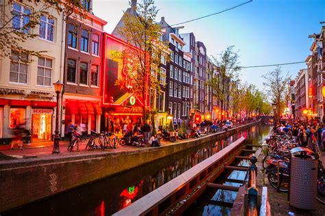bars  amsterdams red light district