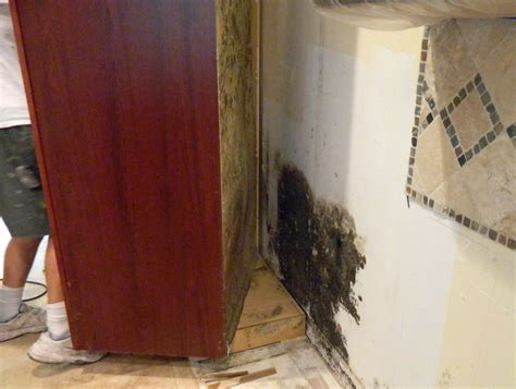 replacing kitchen floor without removing cabinets kitchen cabinet removal soffit kitchen above cabinets