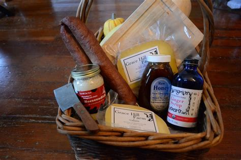 diy holiday gift baskets local food drinks