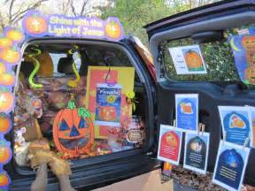 Trick Or Trunk Decorating Ideas by File Halloween Trunk Or Treat Jpg Wikimedia Commons
