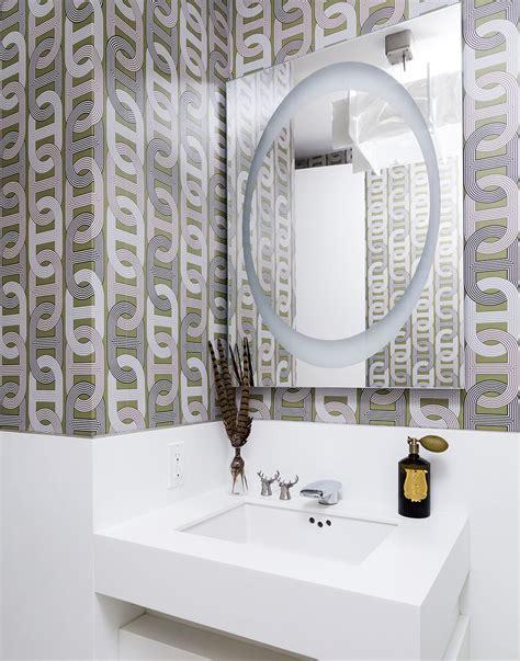 create  cozy modern bathroom   budget