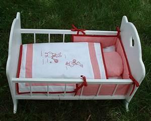Lit Poupee En Bois : petit lit de poupee blanc ~ Teatrodelosmanantiales.com Idées de Décoration