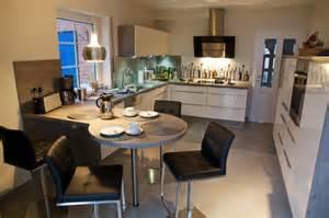 essplatz küche küche mit essplatz für 4 quot im grünen bereich quot brigitte fertiggestellte küchen