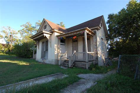 19th Century Domestic Architecture 101  Crockett Street House