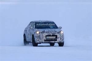 Ds 3 Crossback : all new ds3 crossback spied undergoing winter testing the audi q2 rival autoevolution ~ Medecine-chirurgie-esthetiques.com Avis de Voitures