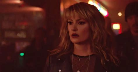 U0026#39;Riverdaleu0026#39; Star Mu00e4dchen Amick Reacts to That Pole Dance For the Serpents (Exclusive) | toofab.com