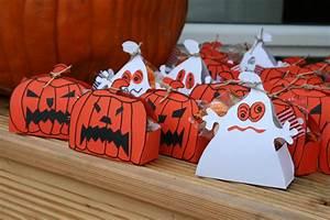 Halloween Sachen Basteln : mitgebselboxen f r halloween basteln youtube ~ Whattoseeinmadrid.com Haus und Dekorationen