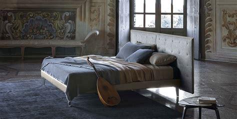 Poltrona Gonfiabile Torino : Letto Gran Torino Bed Di Poltrona Frau Design Jean Marie