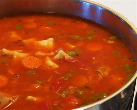 soupe de legume maison soupe repas aux l 233 gumes et 224 la volaille recettes du qu 233 bec