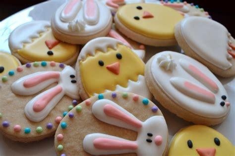 lustige kekse backen kekse selber backen 66 ideen wie sie die osterpl 228 tzchen verzieren