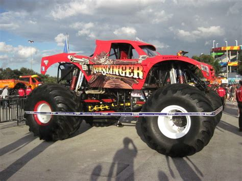 videos de monster trucks show de monster trucks camiones monstruo femeninas com