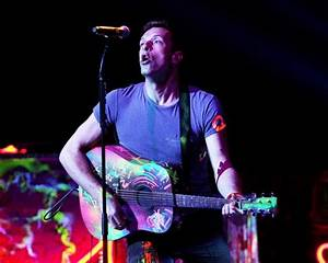 Coldplay's Chris Martin Auctions Guitar To Aid Victims Of ...