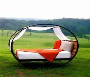 Chaise Qui Se Balance : le rocking bed le lit qui se balance ~ Teatrodelosmanantiales.com Idées de Décoration