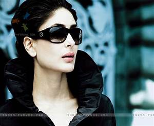 Wall papers: Karina Kapoor latest pictures