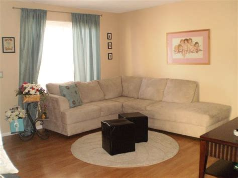 what colour curtains go with brown sofa what color of curtains pillows will match tan couch