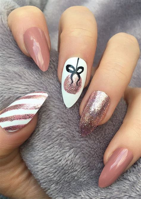 bright  awesome christmas nails art design