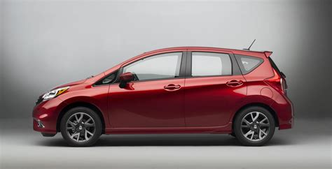 '15 Nissan Versa Note Sr; Looks Like Old Honda Fit