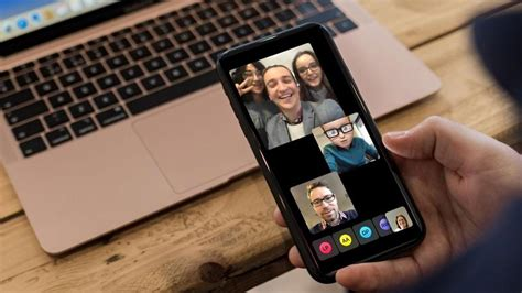 How to Make Group FaceTime Video Calls On iPhone, iPad or ...