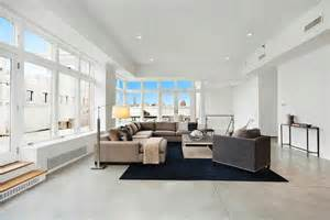 livingroom nyc the 14 million dollar nyc penthouse rihanna checked out see this house nbaynadamas